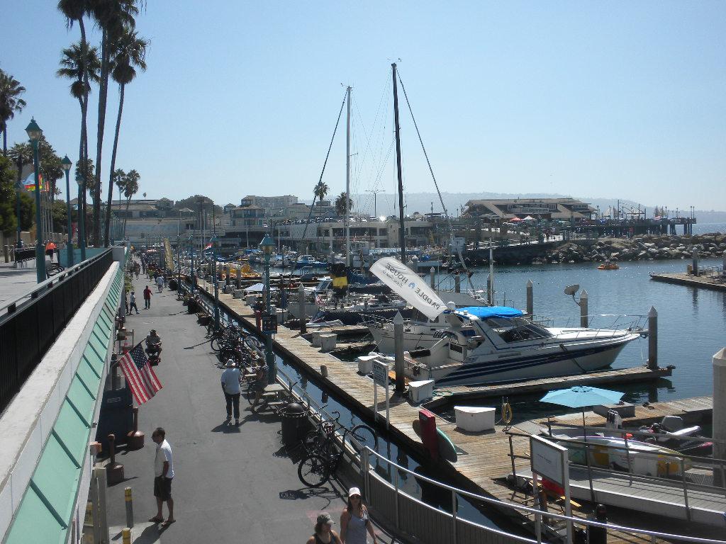 Seafood fest in redondo beach ca surrealist11 39 s blog for Redondo beach pier fishing